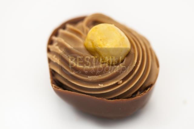 HAZELNUT and CARAMEL FILLED MILK CHOCOLATE SPC 1033