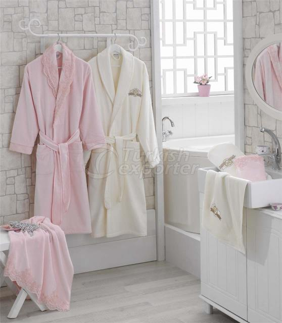 VICTORIA BATHROBE SET