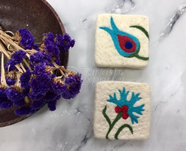 Набор из 2, гвоздики и тюльпанов Цветочный дизайн Поддельное мыло, войлочное мыло, ручное войлочное мыло