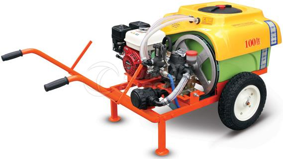 power-sprayer-with-electric-or-fuel-powered-engine