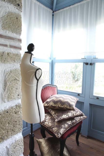 Brown jacquard cushion concept